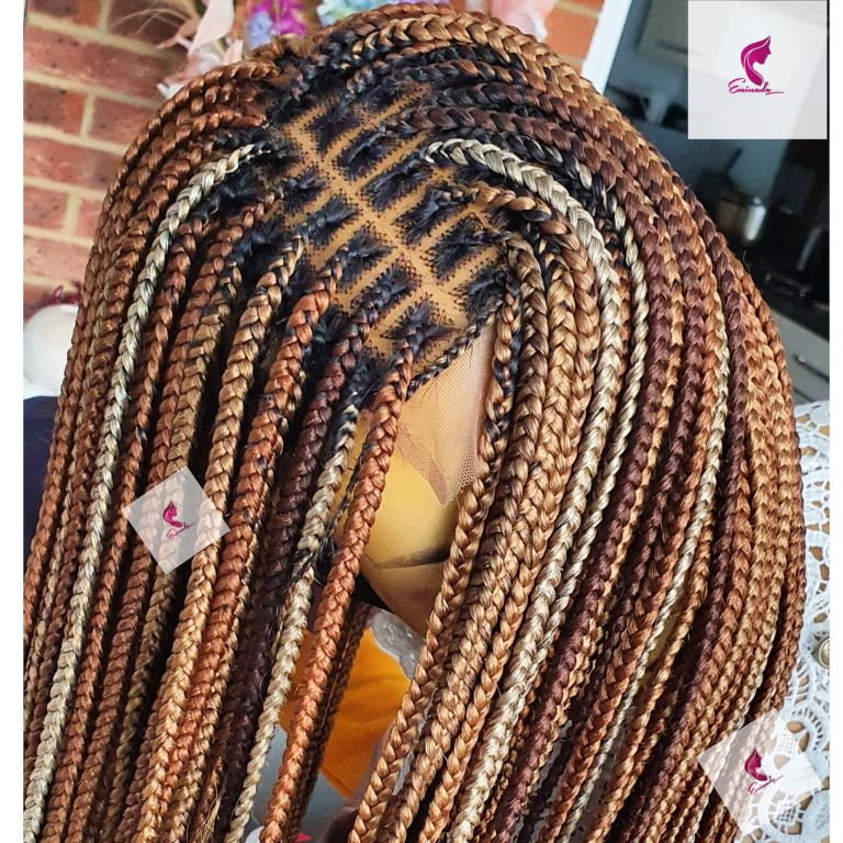 Knotless braids, mixed browns, 30inches.(Closure)